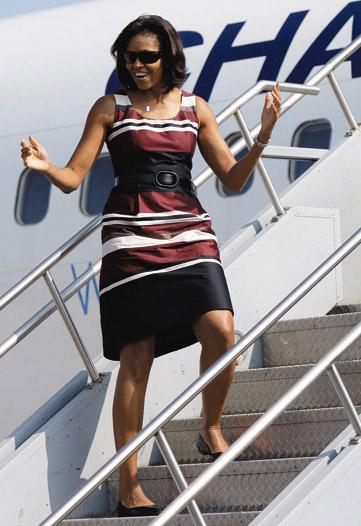 http://www.nitrolicious.com/blog/wp-content/uploads/2008/10/michelle-obama-hm.jpg