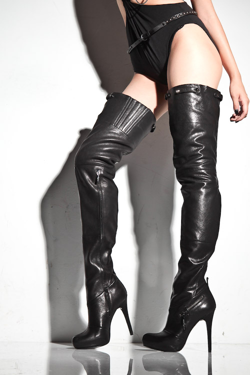 report leather thigh high crotch boots size 8 nicest