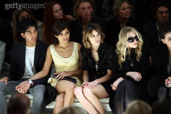 How Much Does Celebrities Get Paid to Sit Front Row @ Fashion Week