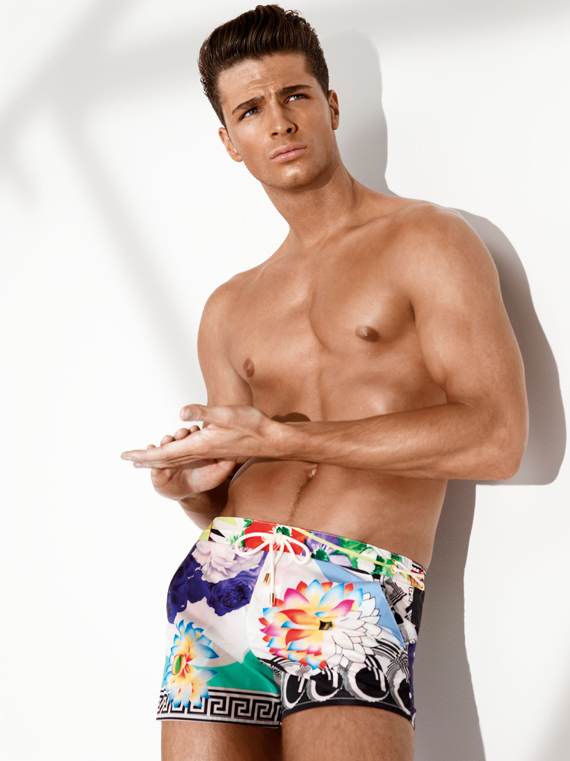 Versace to launch Underwear and Beachwear Collections